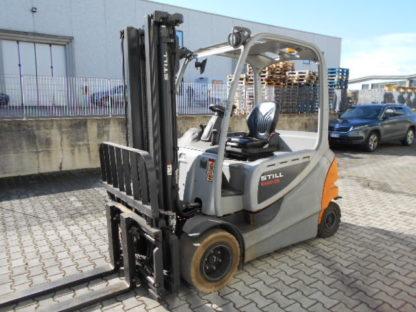 Carrello elevatore Still RX60-35 anno 2013 simplex 3200mm completo di traslatore e posizionatore forche. Completo di batteria 80V. Ore di lavoro 7200