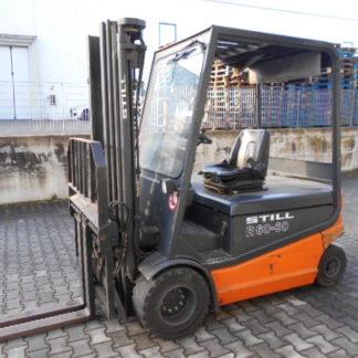 Carrello elevatore Still R60-30 triplex 4800mm completo di traslatore e posizionatore forche. Batteria 80V e semicabina di protezione
